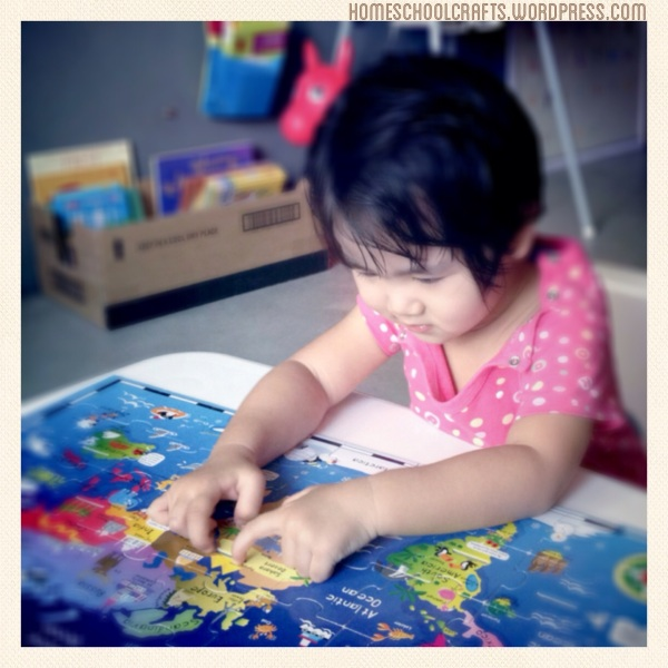 Infantino_AnimalsOfTheWorldPuzzle_HomeschoolCrafts